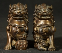 Pair of old bronze lions from China made from Bronze